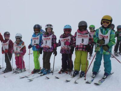 slider-meitli_meitli-kitu_Skirennen2015 (3)1000x800